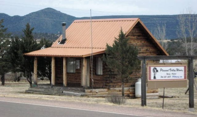 Forest cabins tonto national forest cabins for Cottages at camp creek
